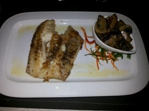 Dá para acreditar que esse peixinho sem vergonha com esse pouquinho de cogumelos custa R$ 60,00???