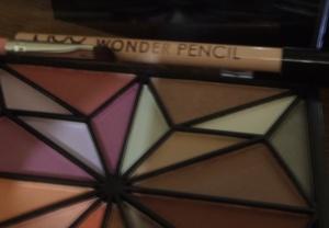 Lápis à venda na lojinha do blog!!!!